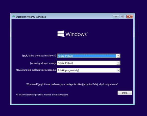 Uruchomienie instalatora systemu Windows 10.