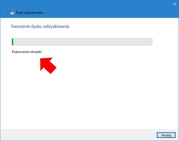 Rozpoczęty proces tworzenia dysku odzyskiwania systemu Windows 10.
