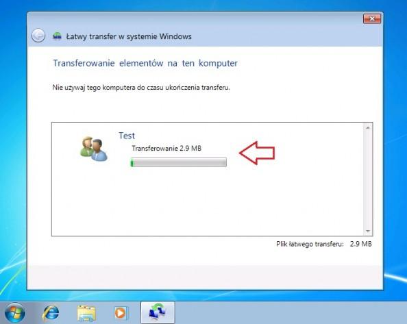 Rysunek 23. Rozpoczęcie transferu elementów nakomputer zzainstalowanym systemem Windows 7.